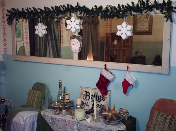 Upstairs Bedroom 1 at Christmas